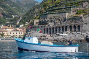barca-mare-azzurro-costiera-amalfitana-fotografo-salvatore-guadagno